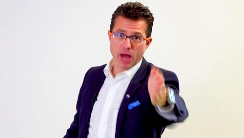 Johtajatiimi Mika D. Rubanovitsch - myyntivalmennusvideon järjestäminen